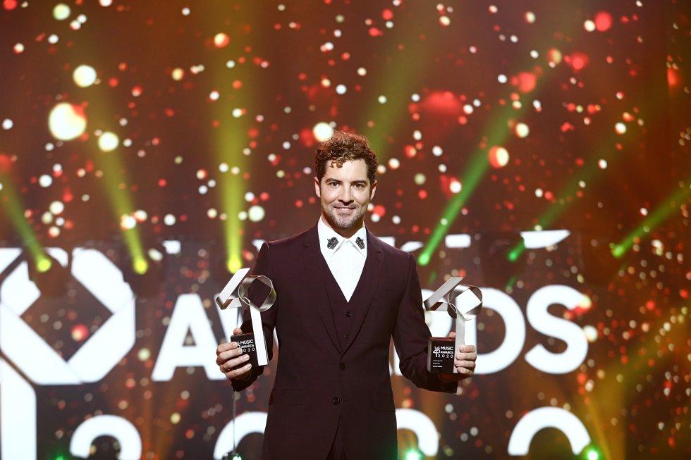 David Bisbal, premiado a Álbum y Canción del año.