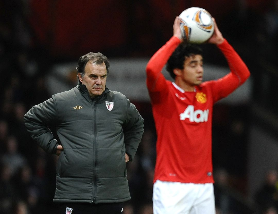 Marcelo Bielsa en Old Trafford durante su etapa con el Athletic Club
