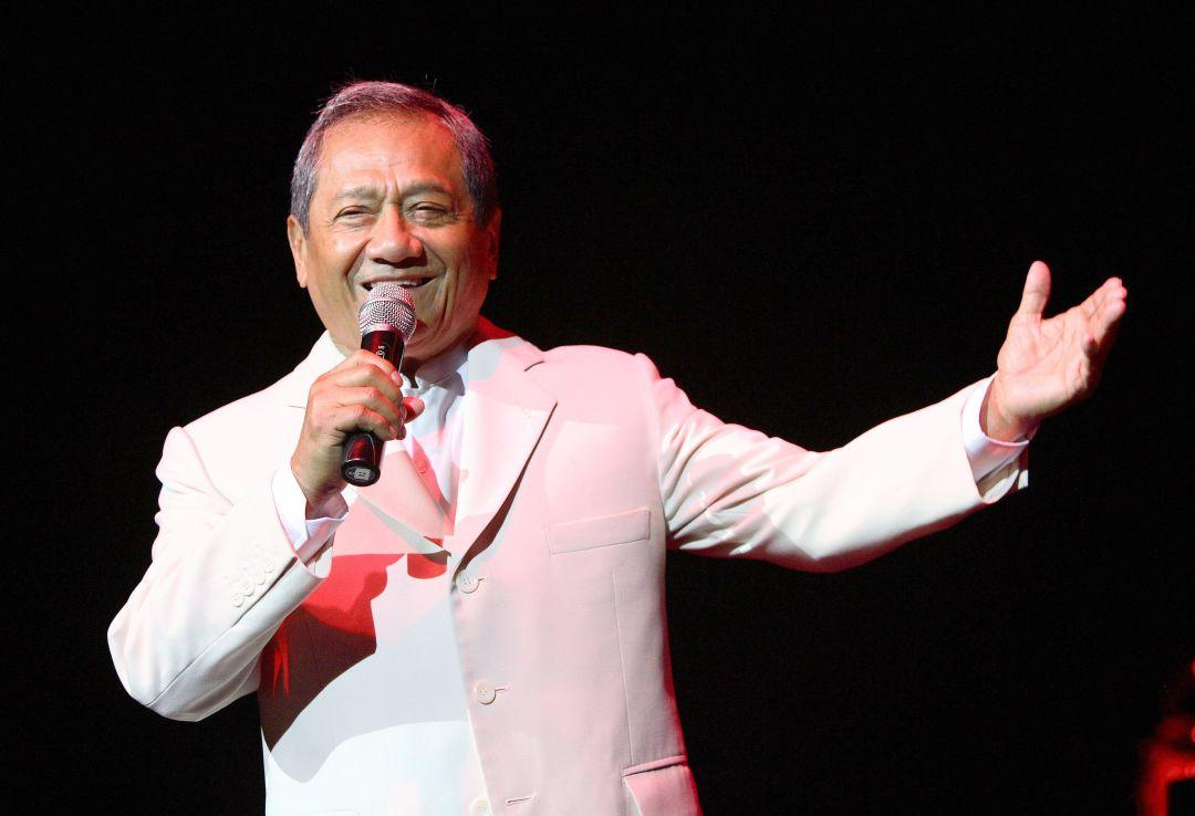 Muere por COVID-19 el cantautor mexicano Armando Manzanero | Cultura |  Cadena SER