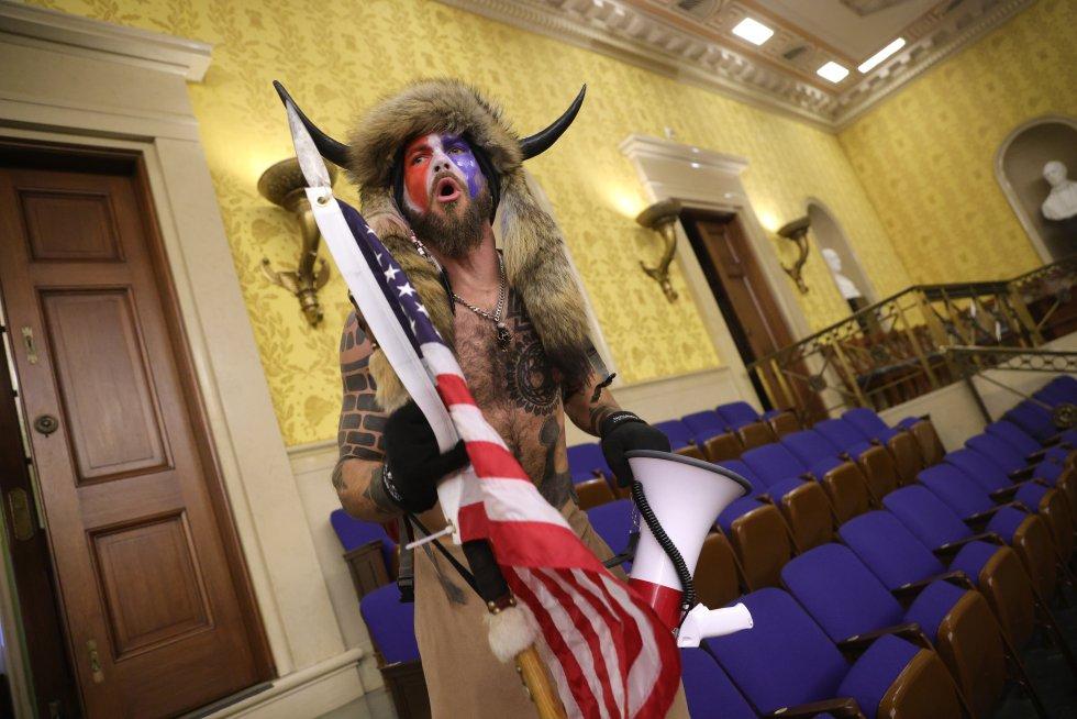 Uno de los asaltantes al Capitolio.
