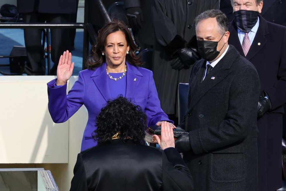 Kama Harris jura su cargo como vicepresidenta de EEUU. Ya ha hecho historia como la primera mujer vicepresidenta en EEUU.