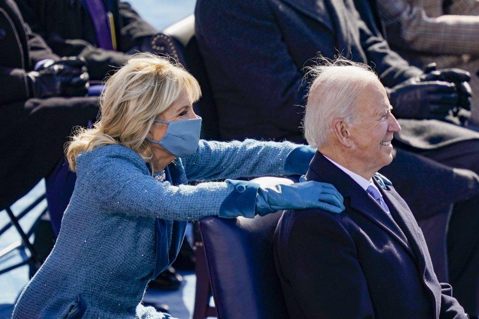 El gesto cariñoso de la mujer de Biden en el día de su investidura como presidente de EEUU.