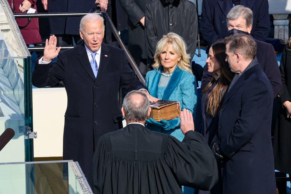 Joe Biden jura su cargo como 46º presidente de los EEUU.