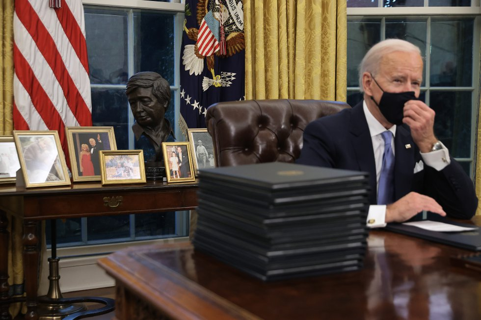 Joe Biden, a punto de firmar los decretos para cambiar el rumbo político de EEUU.