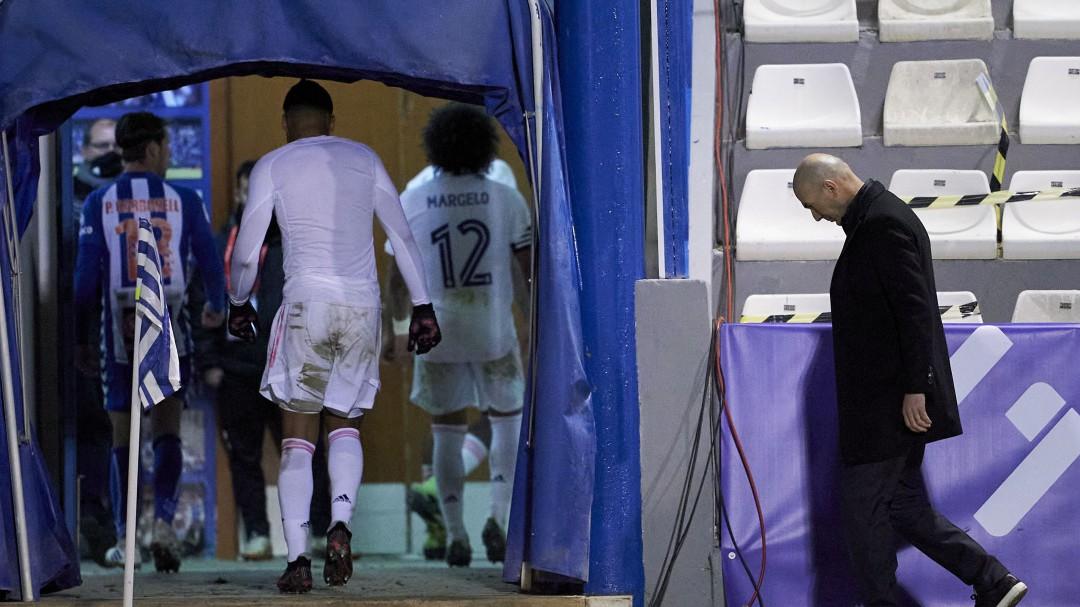 """""""El 70% de la plantilla del Real Madrid prefiere que se vaya Zidane"""""""