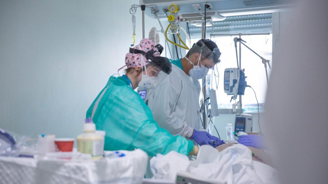 Las comunidades estrenan nuevas y duras restricciones ante el aumento de contagios