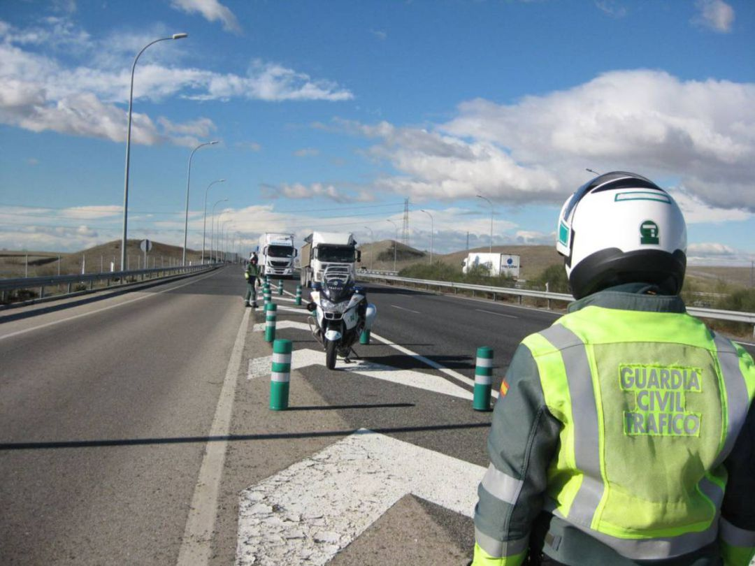 Control Guardia Civil en la A2
