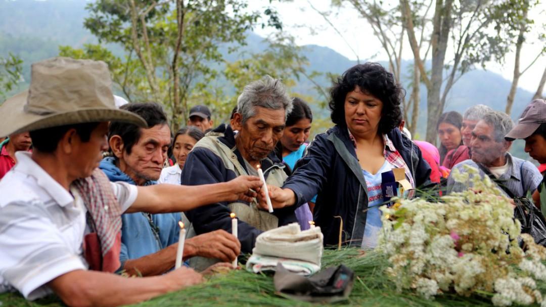 'Activistas por la vida': las comunidades indígenas se juegan la vida para salvarnos