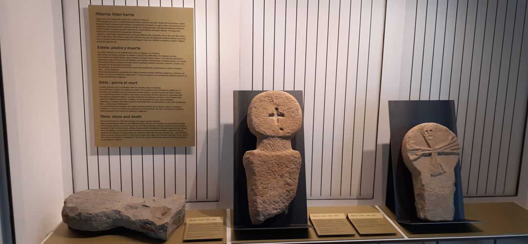 El museo Oiasso de Irun recogerá las estelas cristianas de Gordaiulua hasta el 30 de junio
