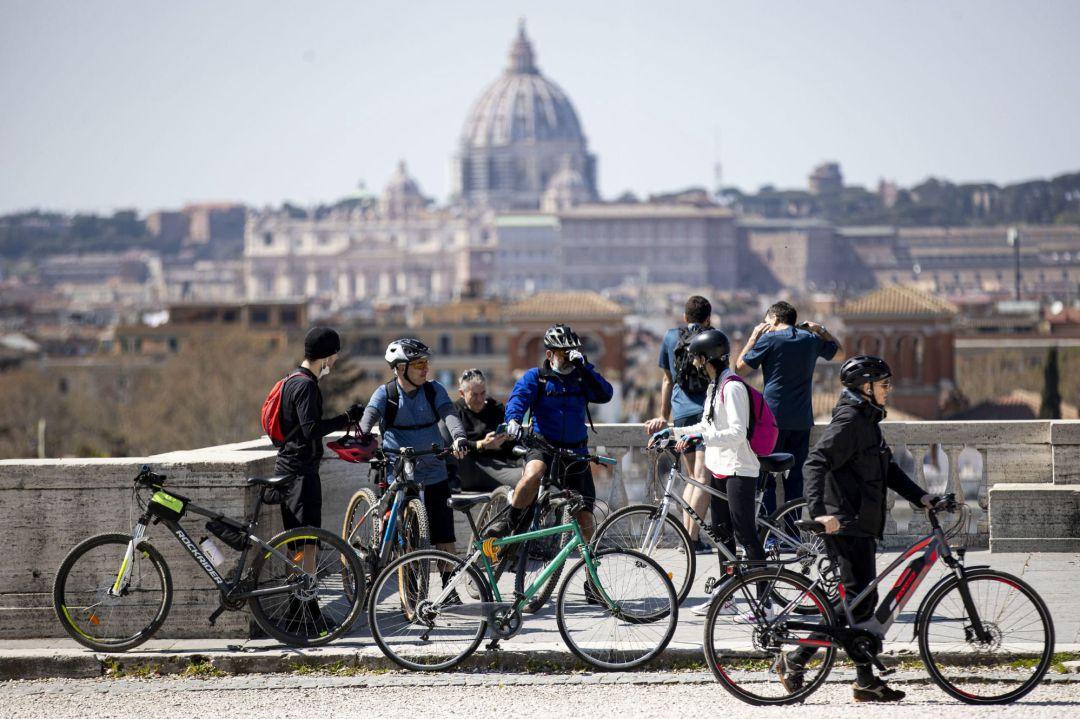 Italia impone test y cuarentena de 5 días a viajeros de países de la UE |  Internacional | Cadena SER