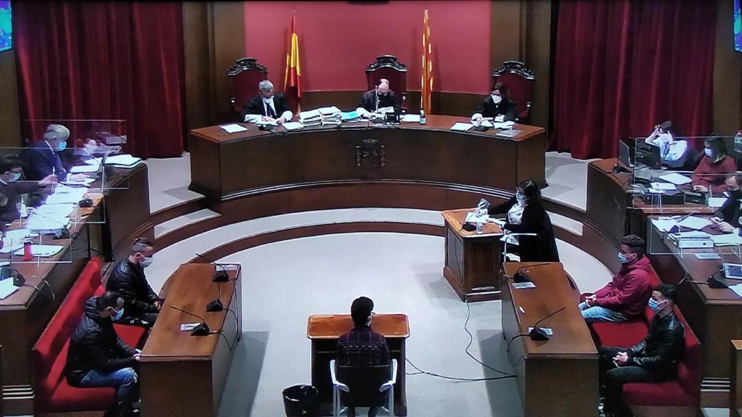 """Hasta 31 años de cárcel para tres de los violadores de la """"Manada de Sabadell"""""""