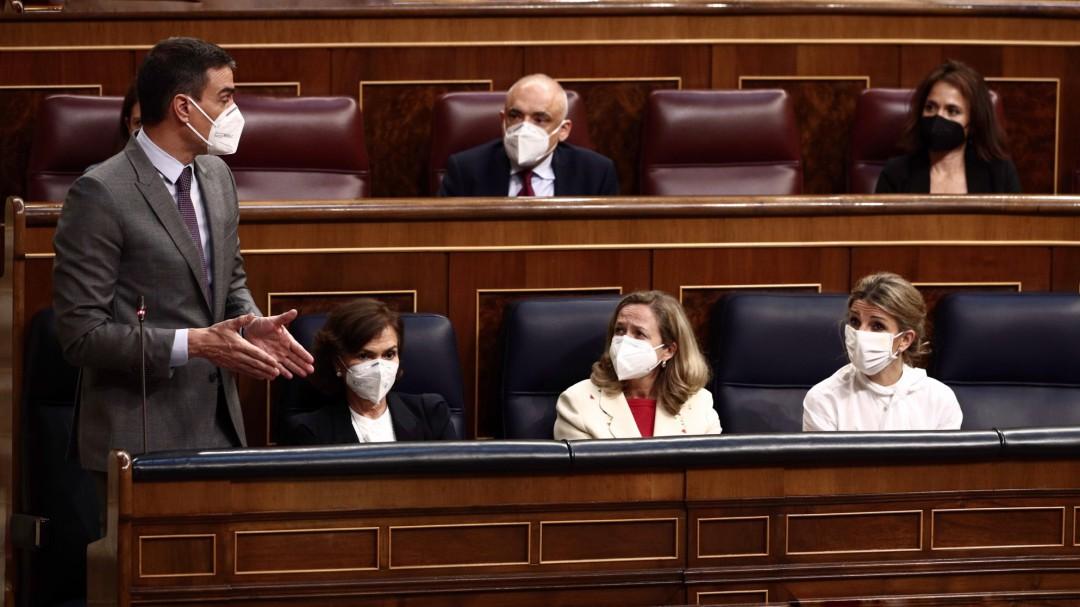 El CIS mantiene la clara ventaja del PSOE sobre un PP que crece por el desplome de Ciudadanos