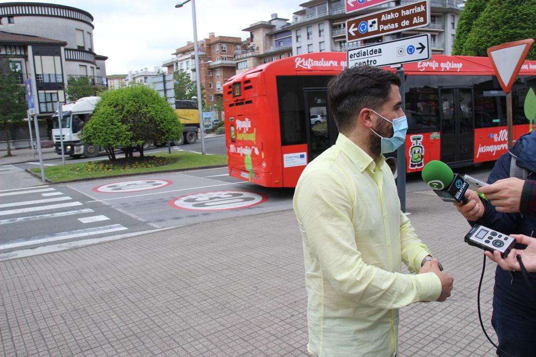 El delegado de Movilidad Borja Olazabal