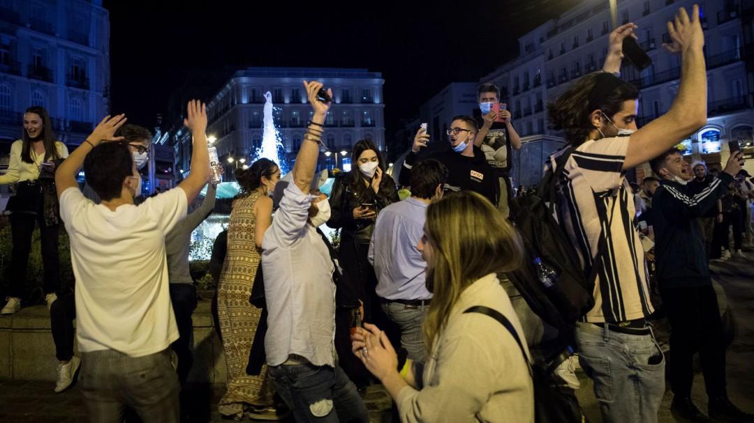 El vídeo de la vergüenza: un minuto de insolidaridad de miles de españoles tras caer el estado de alarma