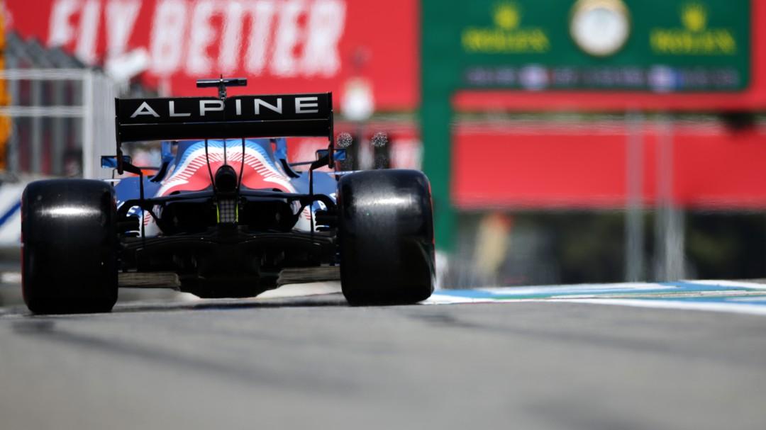 Fernando Alonso y el equipo Alpine dan un paso adelante en los libres del GP de Francia