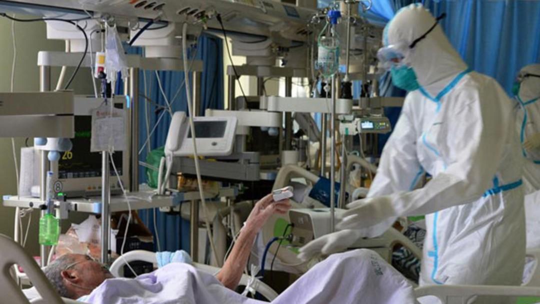 """Un enfermero canario estalla: """"Llevamos 7 plantas COVID y la mayoría están ocupadas por negacionistas"""""""