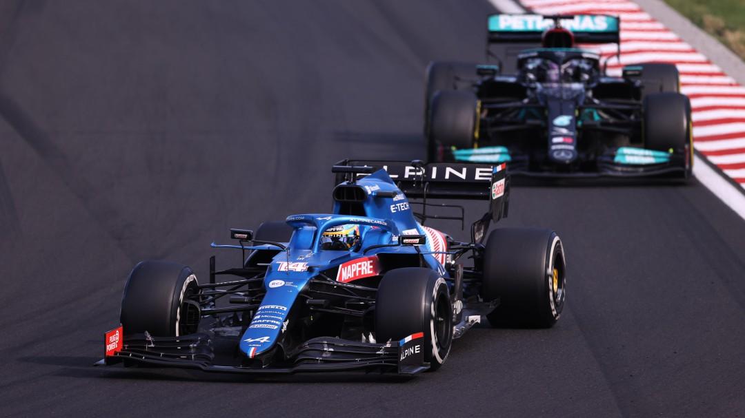 Sainz es cuarto y Alonso acaba quinto en Hungría donde Hamilton arrebató el liderato del mundial a Verstappen