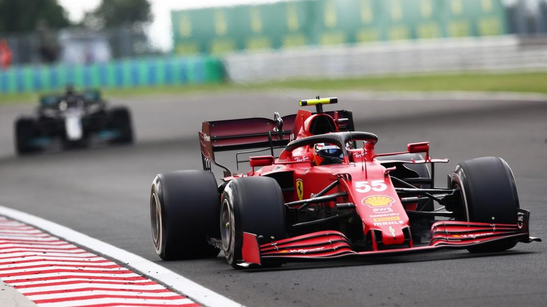 Carlos Sainz, tercero en Hungría tras la descalificación de Sebastian Vettel