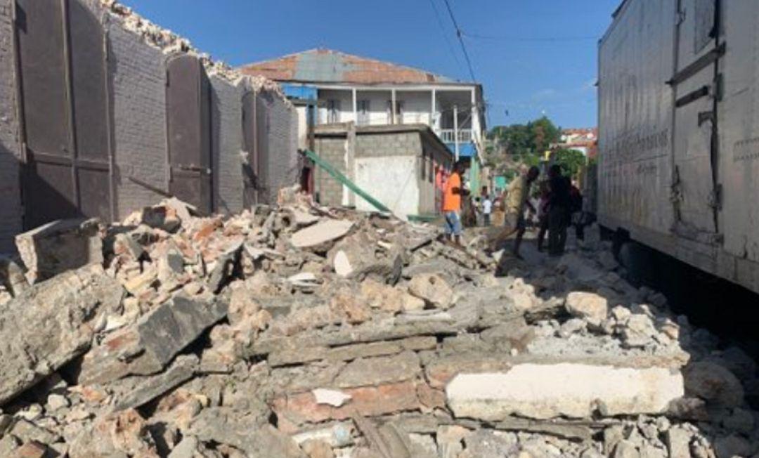 Al menos 227 muertos por el terremoto de magnitud 7,2 en Haití    Internacional   Cadena SER