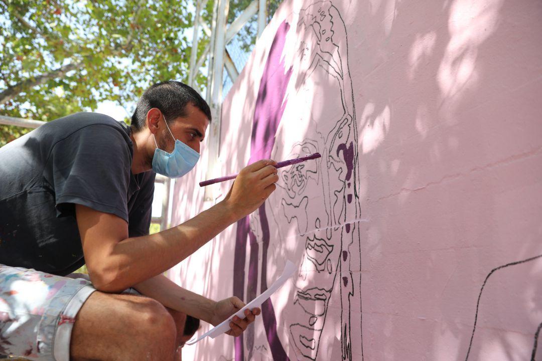 Restauran el mural feminista de Ciudad Lineal casi medio año después de ser vandalizado