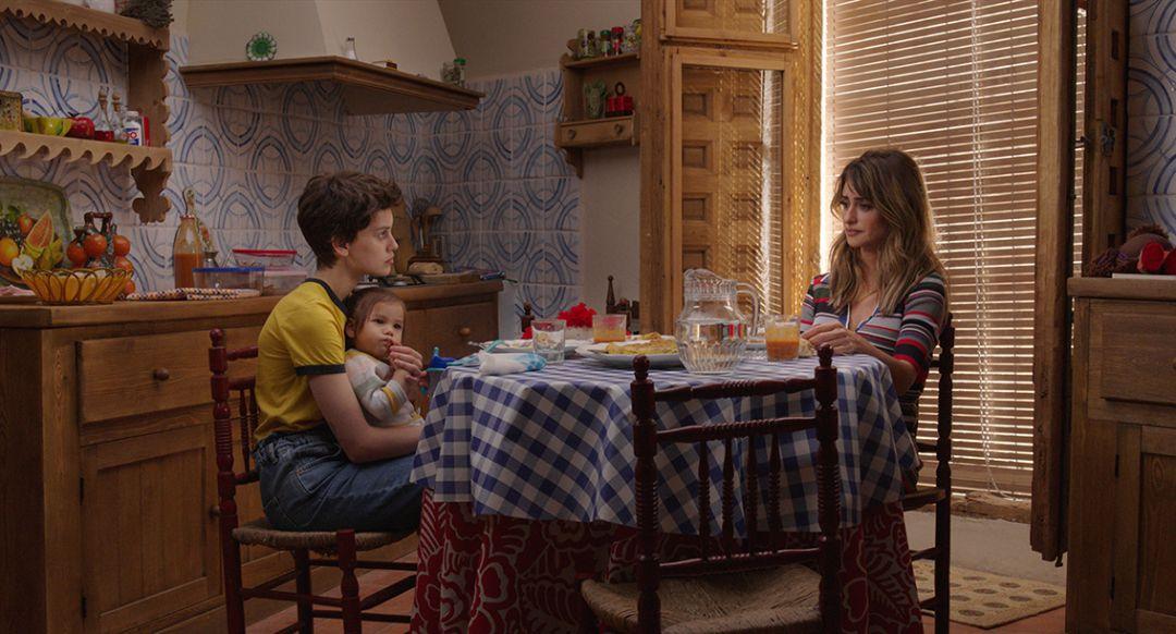 Crítica de Madres Paralelas de Almodóvar: 'Madres paralelas', España como  matria y una defensa de la memoria histórica | El cine en la SER | Cadena  SER