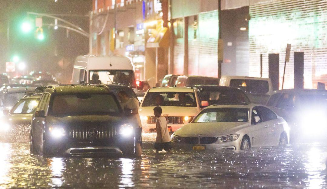 Nunca había llovido tanto: las históricas inundaciones en Nueva York, a  través de los vídeos más impactantes   Internacional   Cadena SER