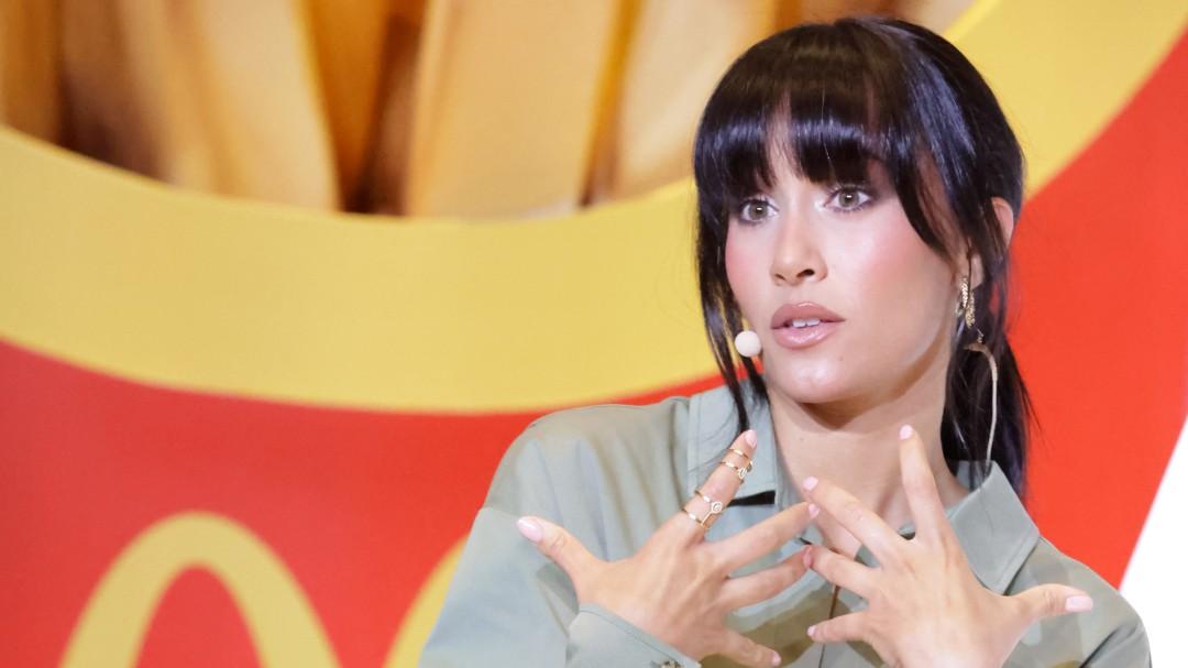 """Aitana reconoce que no se puede comer el menú de McDonald's que promociona por su """"intolerancia al gluten"""""""