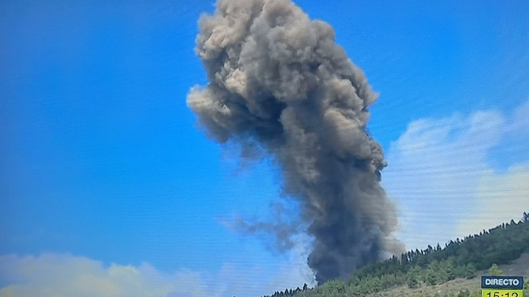 Estalla el volcán de La Palma