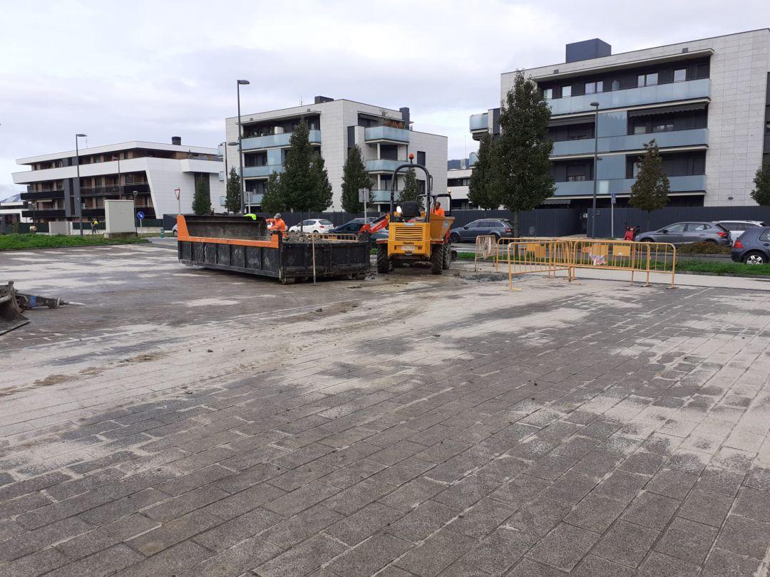 Han empezado las obras para crear una zona de estancia en el barrio de Oinaurre.