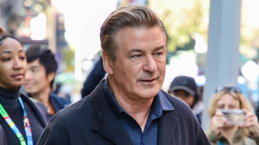 """Las primeras palabras de Baldwin tras matar accidentalmente a una compañera: """"Tengo el corazón roto"""""""