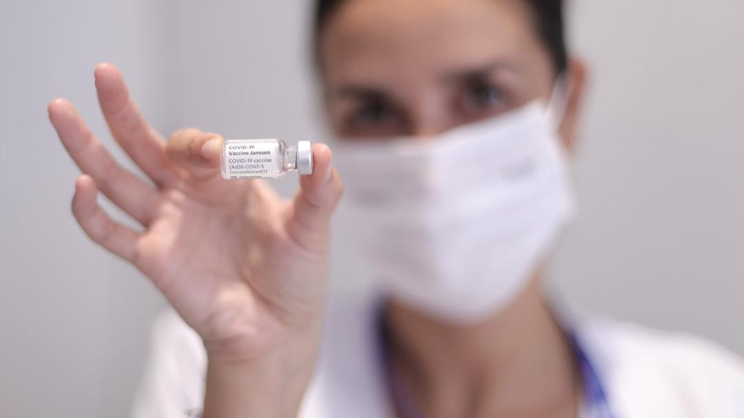 Los vacunados con Janssen recibirán una segunda dosis de refuerzo